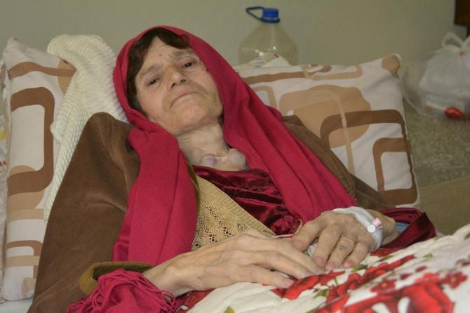 Kanser hastası Suriyeli kadın yokluk içinde hayata tutunuyor