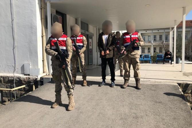 Şehirlerde bombalı saldırılar için görevlendirilen PKK'li tutuklandı