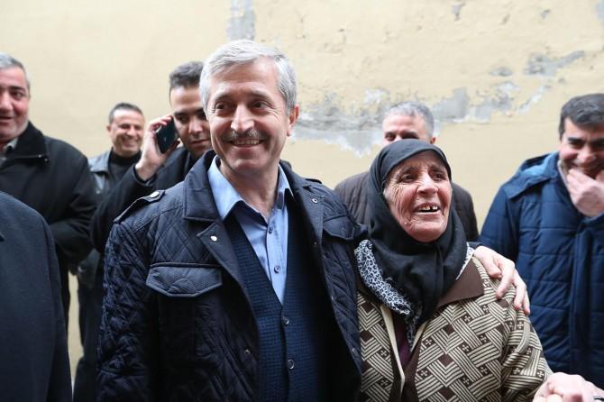 Şahinbey Belediye Başkanı Mehmet Tahmazoğlu esnaf ziyaretinde bulundu