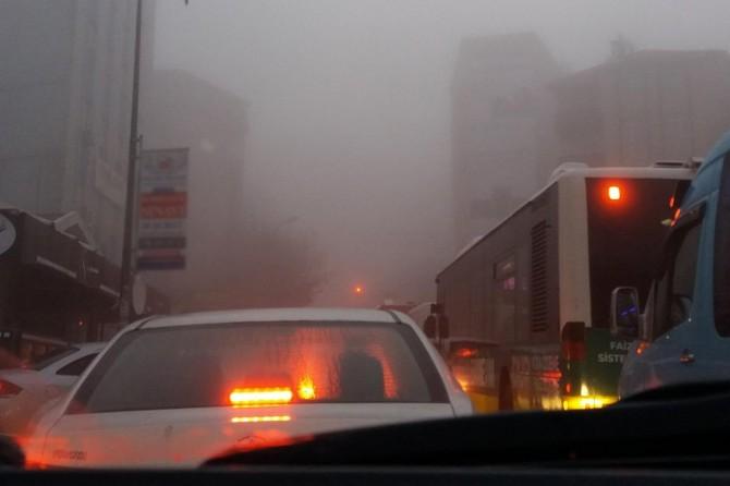 İstanbul'da yoğun sis etkili oldu