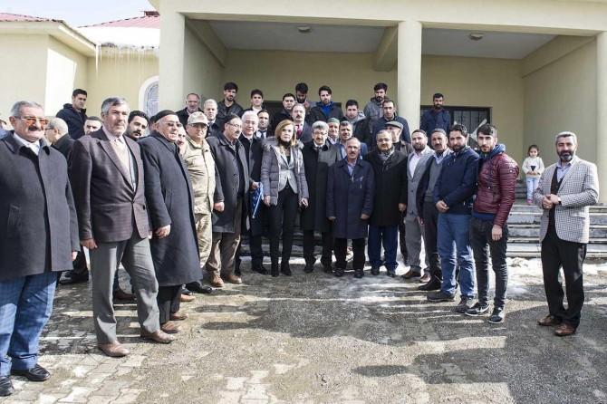 Vali Bilmez Yeşilköy ve Yeniköşk mahallelerini ziyaret etti
