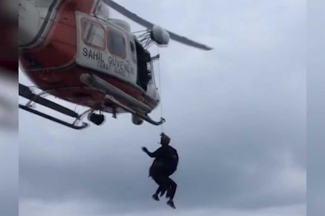 Antalya Konyaaltı kırsalında dağlık alanda mahsur kalan 3 kişi kurtarıldı