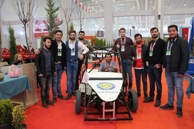 Şanlıurfa'daki tarım fuarının gözdesi elektrikli araç oldu
