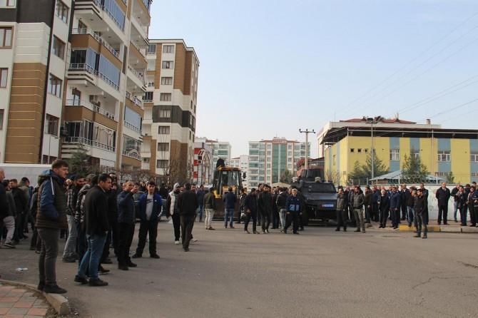 Diyarbakır'da kadın ve erkekler arasında pazar gerginliği