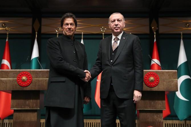 Cumhurbaşkanı Erdoğan Pakistan Başbakanı Han'la görüştü