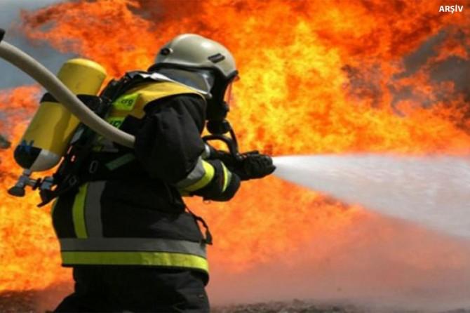 Yatak fabrikasının deposunda yangın