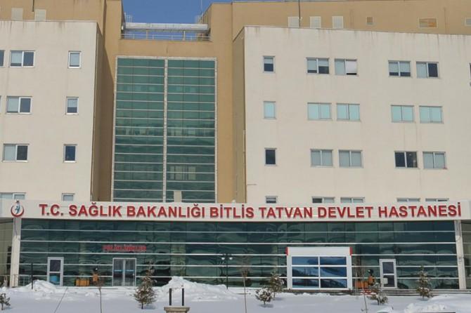 Bitlis'te göçmenleri taşıyan minibüs kaza yaptı: 22 yaralı