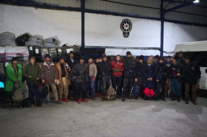 Van'da 32 göçmen yakalandı