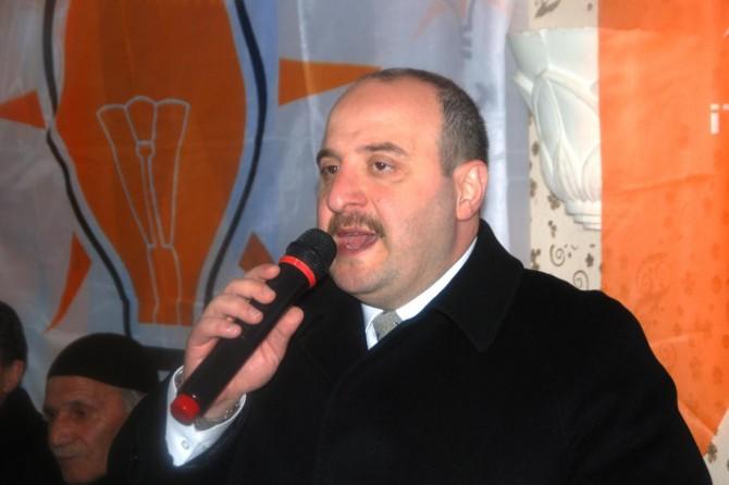 Bakan Varank: Ezanı protesto edenlerin değerimizle alakaları yoktur