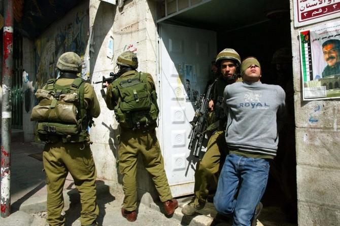 İşgalci çeteler Filistin'de 27 kişiyi alıkoydu