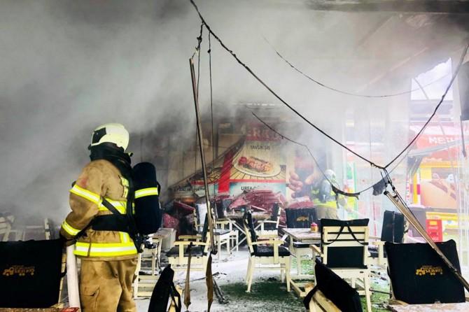 Restaurantta yangın çıktı