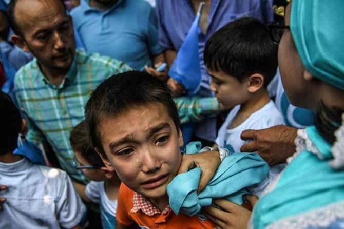 Uygur Müslümanları siyasi baskı ve işkence görüyor