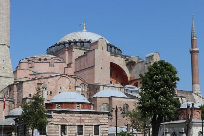 Cami şehidlerinin gıyabi cenaze namazı Ayasofya'da kılınsın önerisi