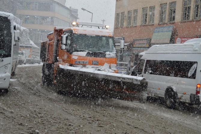 Bitlis'te yoğun kar yağışı
