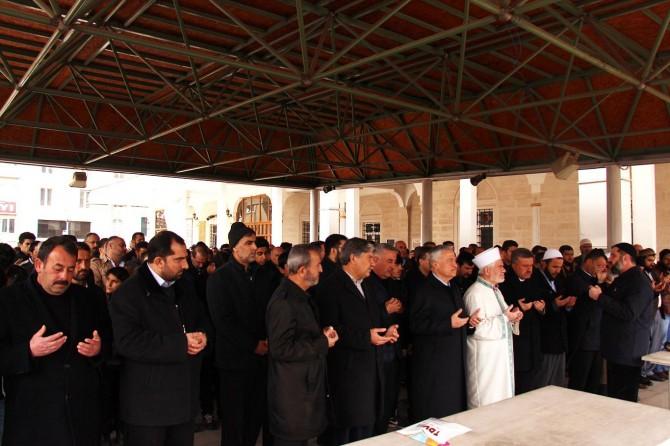 Cami şehidleri için Elazığ'da gıyabi cenaze namazı kılındı