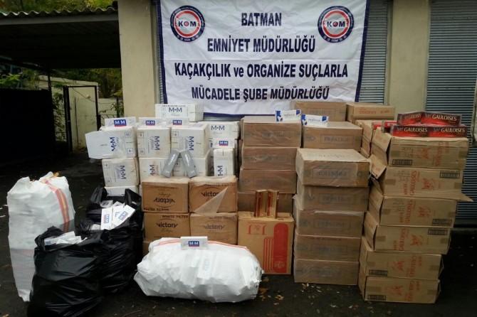 Batman'da hurda malzemeleri arasında gizlenmiş kaçak sigara ele geçirildi