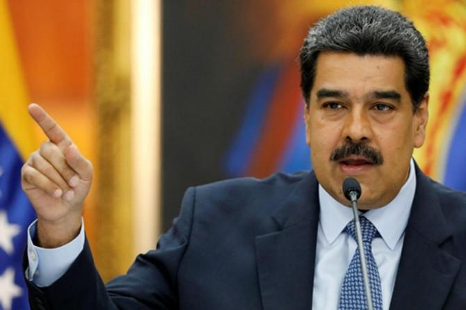 Venezuela'da tüm bakanların istifası istendi