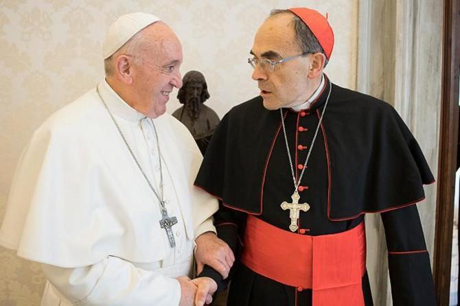 Çocuklara tacizi örtbas eden kardinalin istifası kabul edilmedi