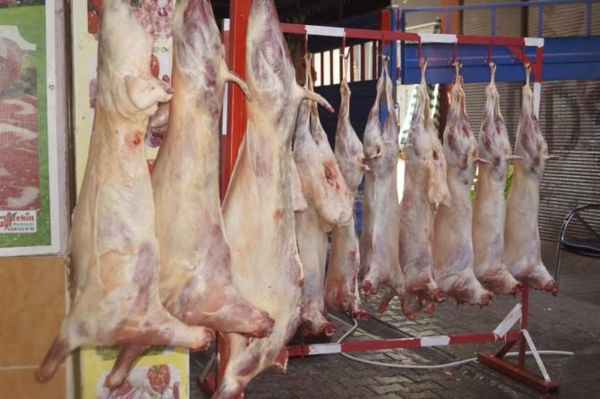 Kriz kırmızı eti vurdu