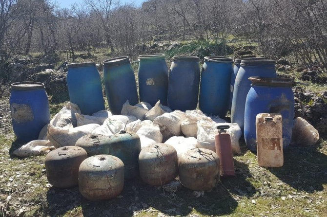 2 ton amonyum nitrat ele geçirildi