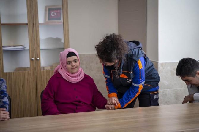 Ankara'da down sendromlu çocuklarla deprem tatbikatı