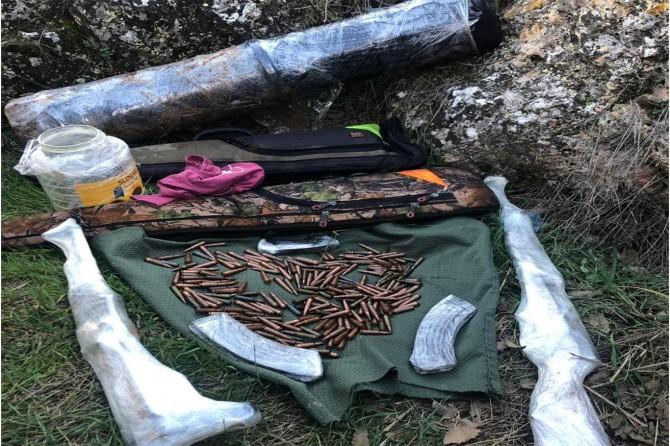 Diyarbakır'da 4 sığınakta silah ve mühimmat ele geçirildi