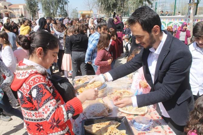 Silopi'de öğrencilerden okul yararına kermes