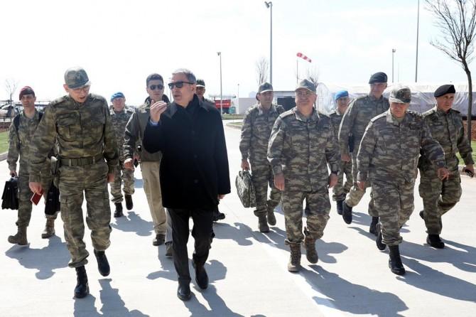 Mili Savunma Bakanı Akar Mardin'de