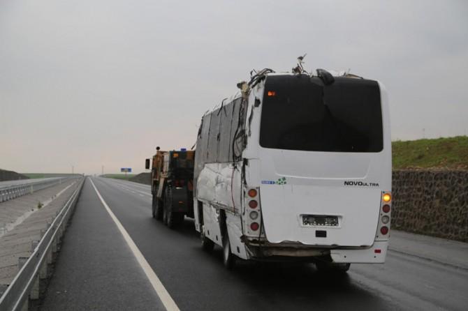 Silopi'de askeri otobüs devrildi: 1 asker hayatını kaybetti, 20 yaralı