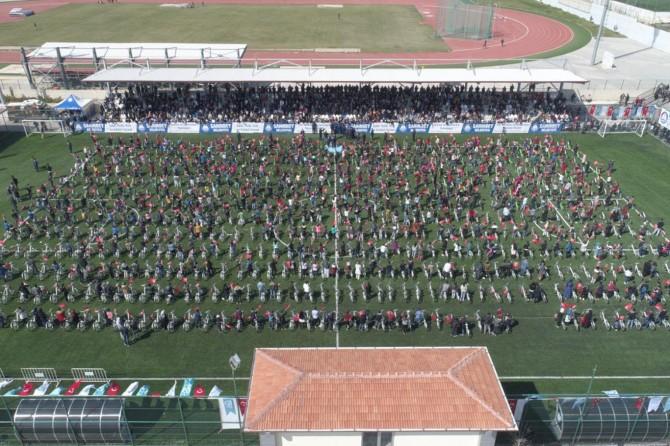 Gaziantep'te kitap okuyan öğrenciler bisikletle ödüllendirildi