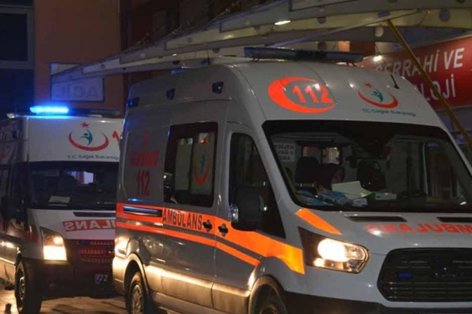 Erzincan'da zincirleme trafik kazası: 11 yaralı