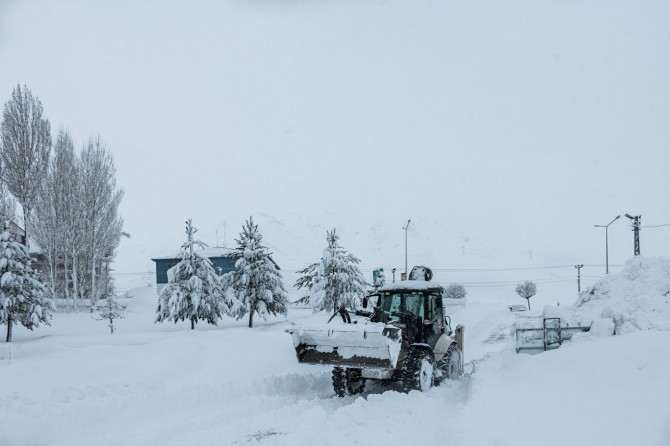 Bitlis'te 99 köy yolu ulaşıma kapandı