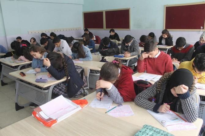 Cizre'de ilk defa geniş katılımla deneme sınavı yapıldı