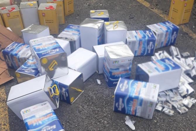 Van'da yağ tenekelerine gizlenmiş binlerce paket sigara ele geçirildi