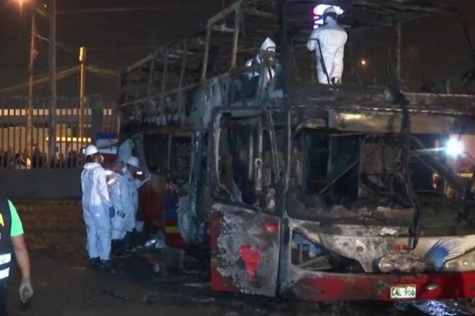 Peru'da otobüs yangını: 20 ölü