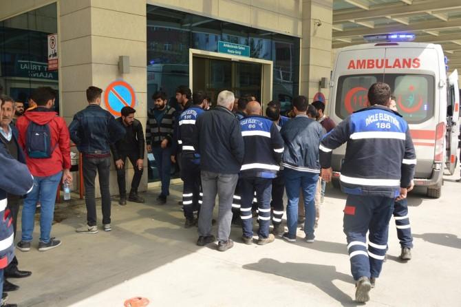 Kurtalan'da çıktığı elektrik direği devrilen DEDAŞ görevlisi hayatını kaybetti