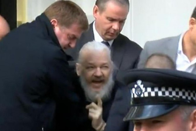 Police detain Wikileaks founder Assange