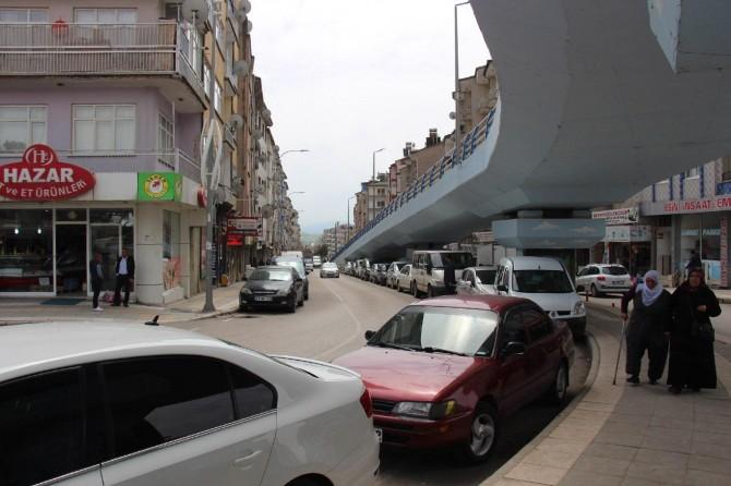 Elazığ'da esnaf ve vatandaşlardan köprülük kavşak tepkisi
