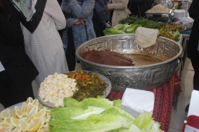 Öğrenciler Adıyaman'ın yöresel yemeklerini tanıttı