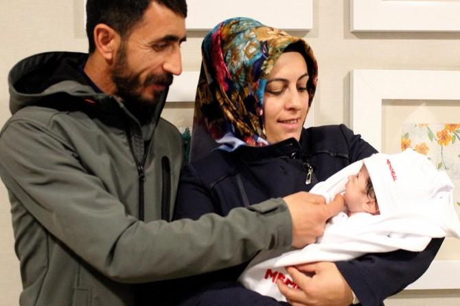 Hira bebek geçirdiği iki ameliyatla sağlığına kavuştu