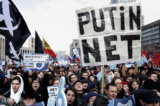 """Russia approves """"Autonomous Internet Law"""""""
