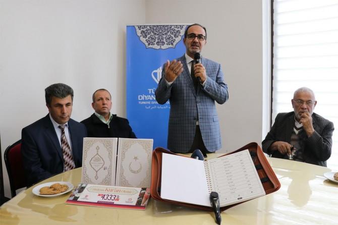 Türkiye'nin yüzde 50'si Kur'an okumayı bilmiyor