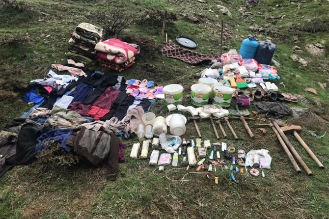 Genç'te PKK'nin kullandığı 4 odalı sığınak imha edildi
