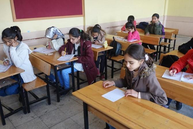 Çocuklar Siyer-i Nebi sınavında ter döktü
