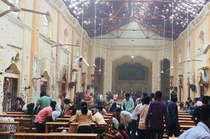 Sri Lanka'da 3 kilise ve 3 otelde patlama: yaklaşık 150 ölü