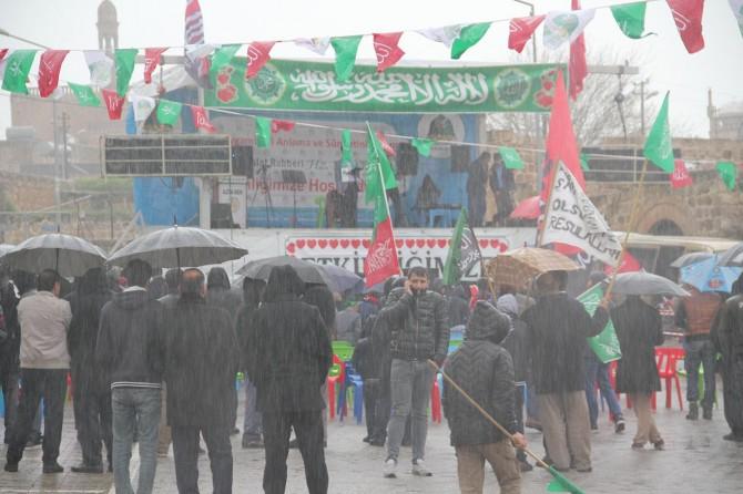 Midyat'taki etkinlik sağanak yağmur altında başladı