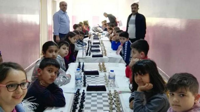 Adıyaman'da ilkokullar arası santraç turnuvası Cumhuriyet İlkokulunda yapıldı