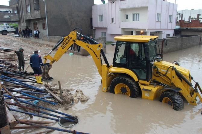 Nusaybin'de sağanak nedeniyle birçok ev sular altında kaldı
