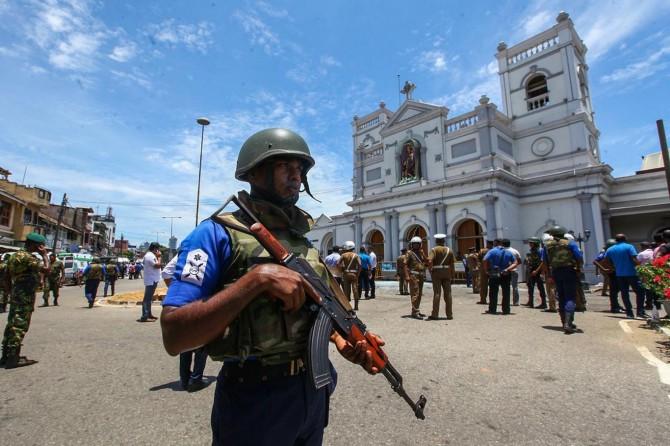 Sri Lanka'da ölenlerin sayısı 300'e yükseldi, 24 kişi gözaltına alındı