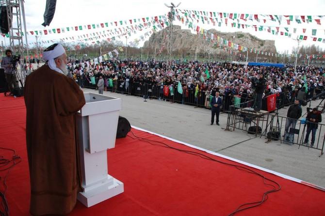 Ger em ji Xwedê hez dikin divê em tabi'ê Hz. Muhammed bibin û rêya wî bişopînin